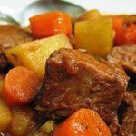 Тушенная картошка с мясом вкусно и просто