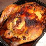 Курица запеченная в духовке целиком сочная с хрустящей корочкой