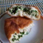 Пирожки с зеленым луком и яйцом жаренные на сковороде