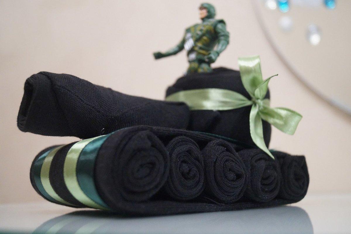 Картинка с носками на 23 февраля, пианино