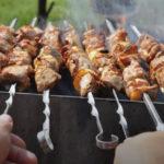 Вкусный маринад для шашлыка из свинины — мясо получается сочным и мягким
