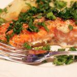 Вкусная красная рыба запеченная в духовке — как приготовить шедевр