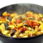 Овощное рагу с баклажанами, кабачками и мясом — быстро и вкусно