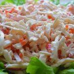 Салат с кальмарами — самые вкусные рецепты с яйцом, огурцом и зеленым горошком